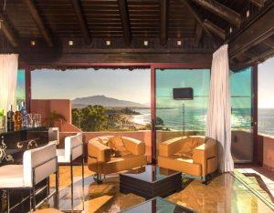 Hotel sky bar