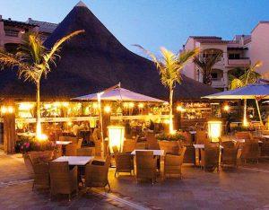 Apartment tropical restaurant